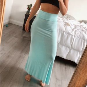 Dresses & Skirts - High Waisted Maxi Skirt